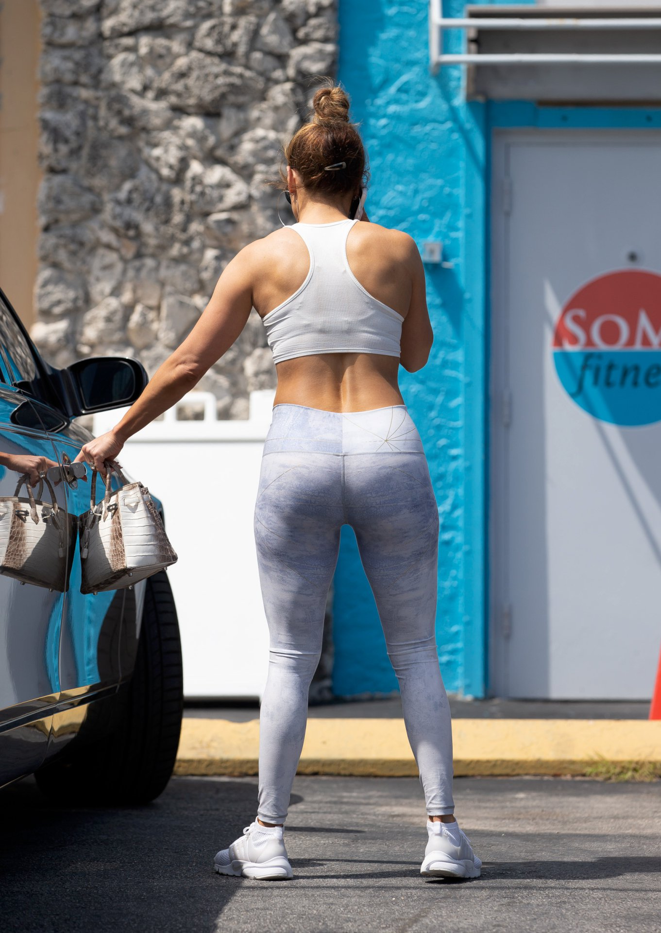 Jennifer Lopez – Sexy Ass at a gym in Miami