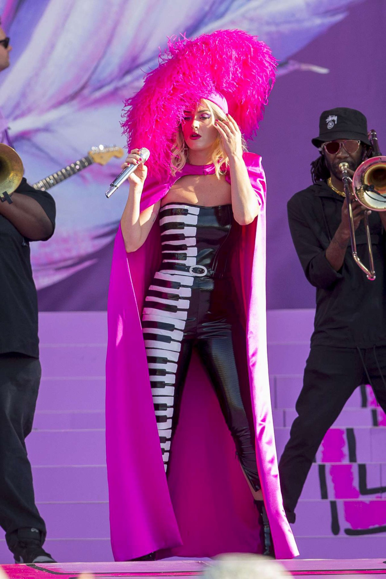 Katy Perry - 2019 New Orleans Jazz  Heritage Festival - Hot Celebs Home-2610