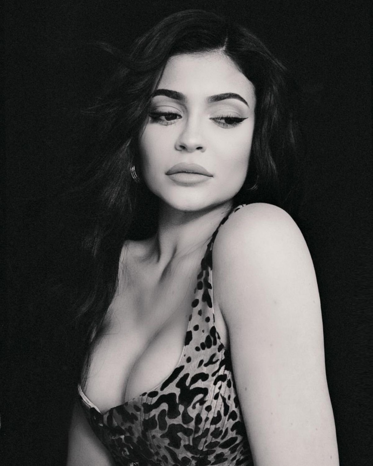 Kylie Jenner Hot Photoshoot