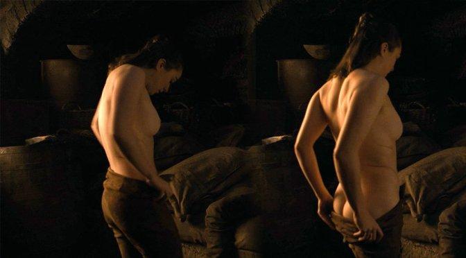 """Maisie Williams – """"Game of Thrones"""" Topless Scene (NSFW)"""