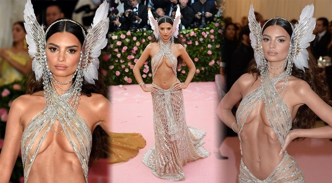 Emily Ratajkowski Barely Covering Her Perfect Boobs At Met Gala