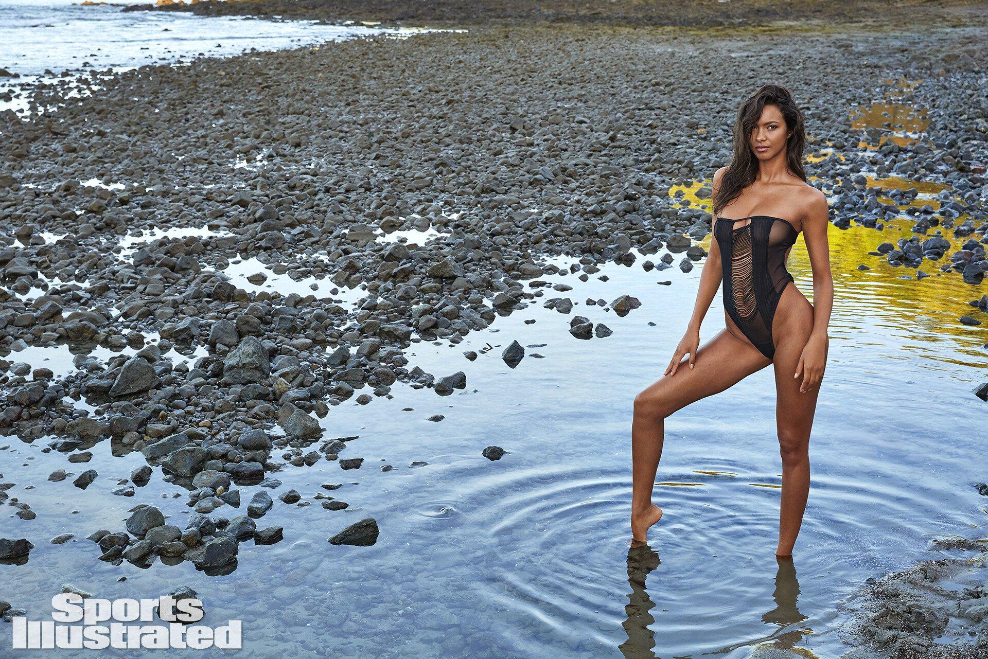 Lais Ribiero Hot Bikini Si Photoshoot