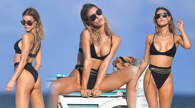 Joy Corrigan - Bikini photoshoot Candids on the Beach in Miami