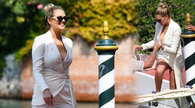 Kate Upton – Sexy Cleavage & Near Upskirt Candids in Venice