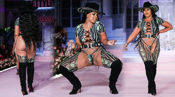 Ashanti - Skimpy Outfit on Stage at New York Fashion Week