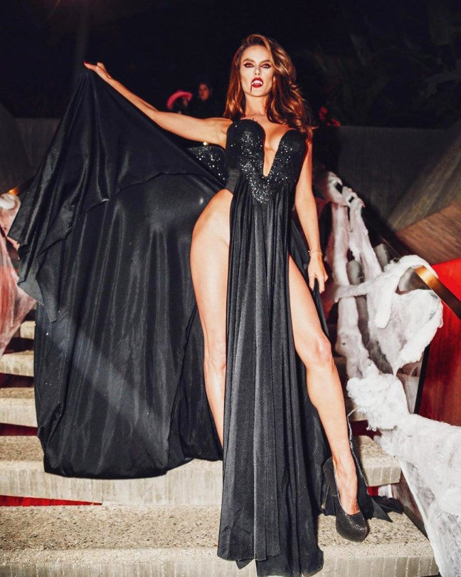 Alessandra Ambrosio Pantyless Vampire