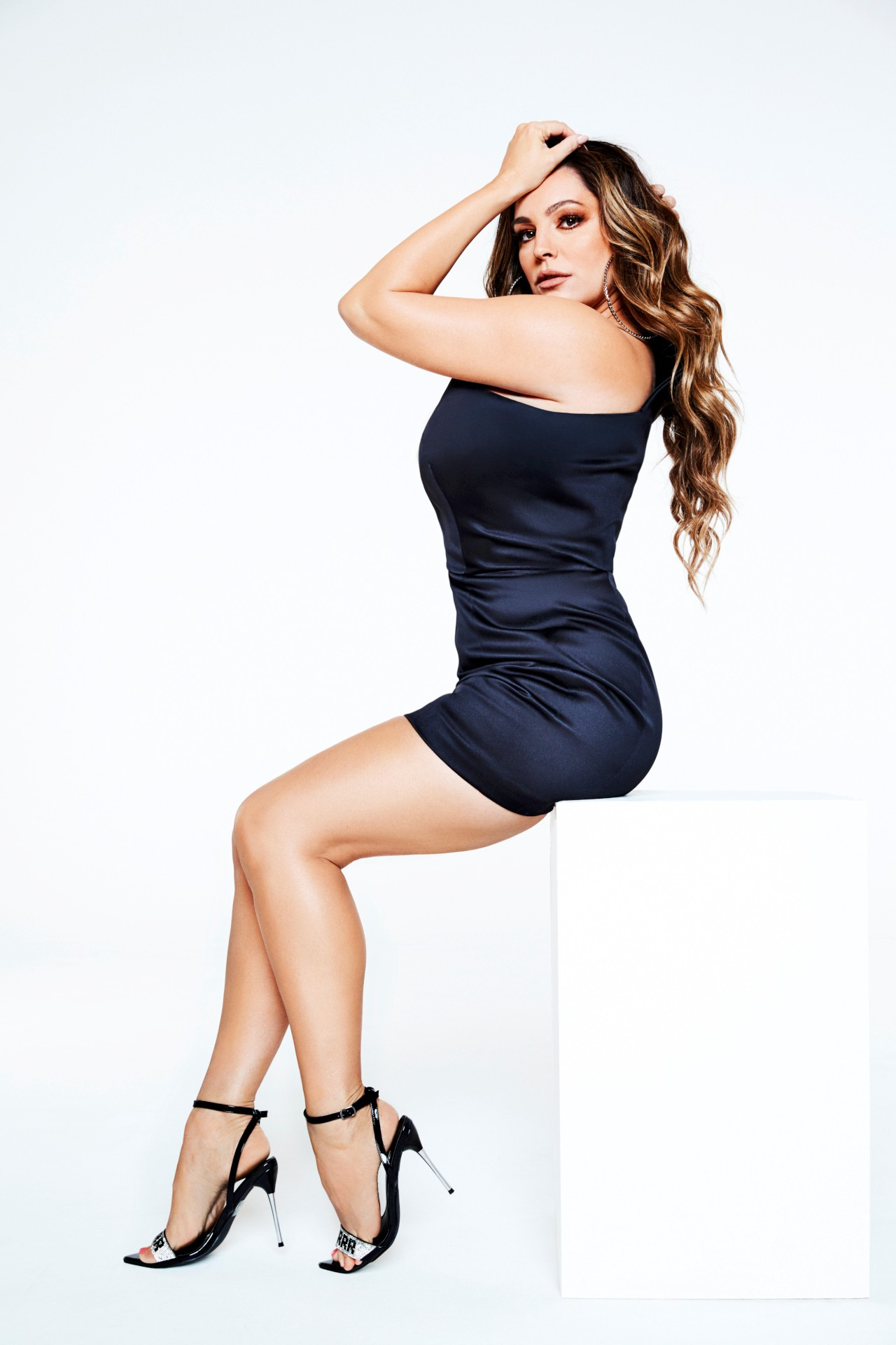 Kelly Brook Sexy Curvy Body | Hot Celebs Home