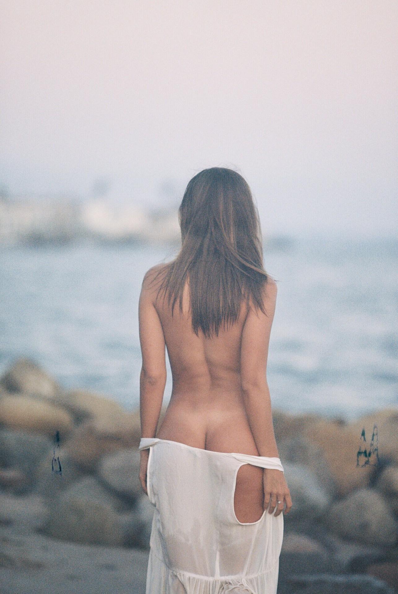 Carmella Rose Sexy Naked Ass