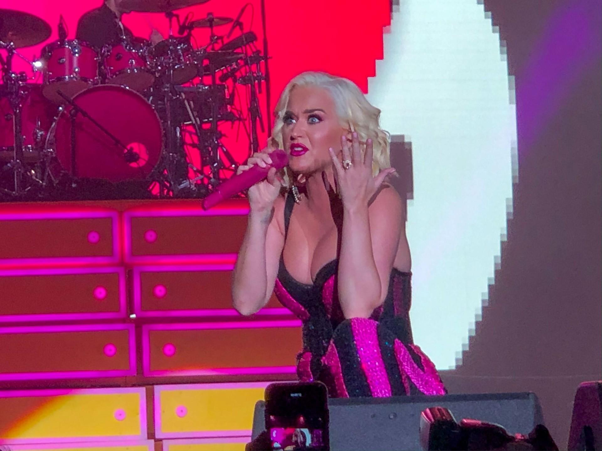 Katy Perry Sexy Big Boobs
