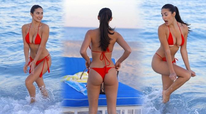 Tao Wickrath – Sexy Big Boobs in Tiny Red Bikini at the Beach in Miami Beach
