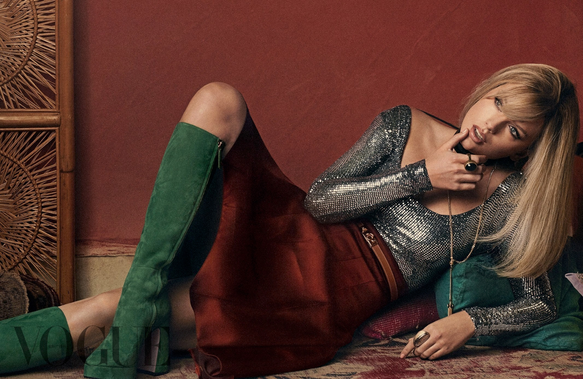 Taylor Swift Sexy Photoshoot