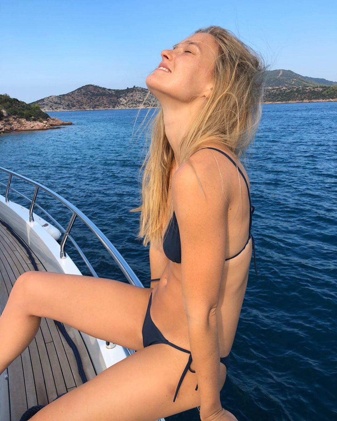 Bar Refaeli Sexy Bikini