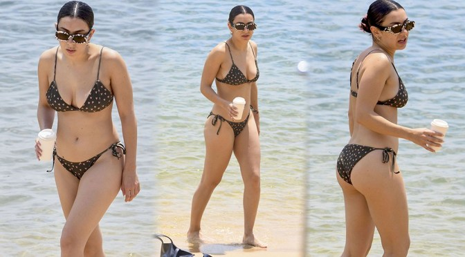 Charli XCX – Sexy Ass and Boobs in a Bikini at the Beach in Sydney