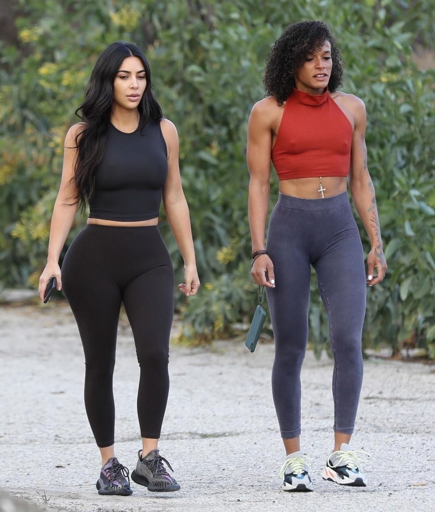 Kim Kardashian Big Ass In Leggings