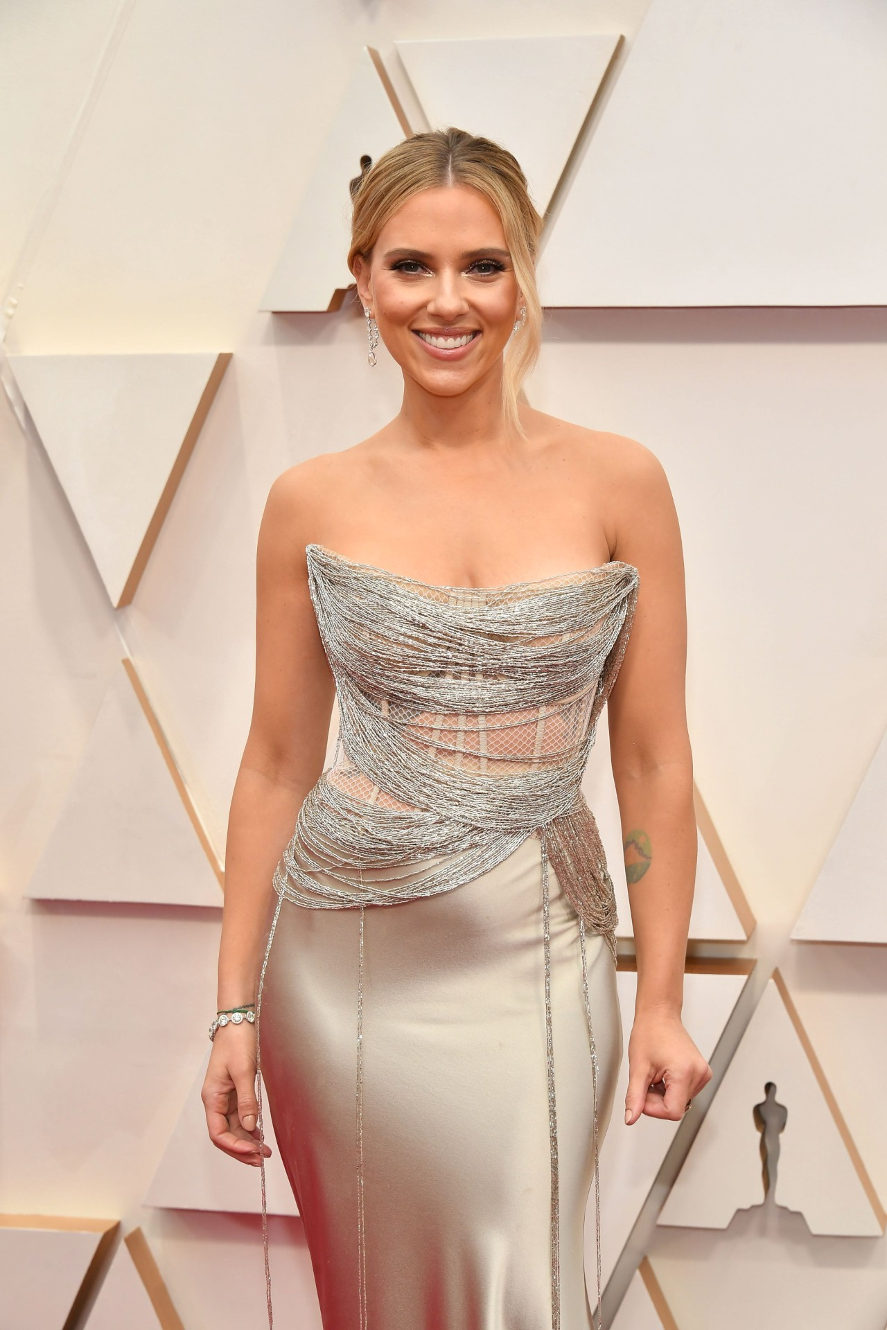 Scarlett Johansson - Sexy Boobs in Big Cleavage at 92nd