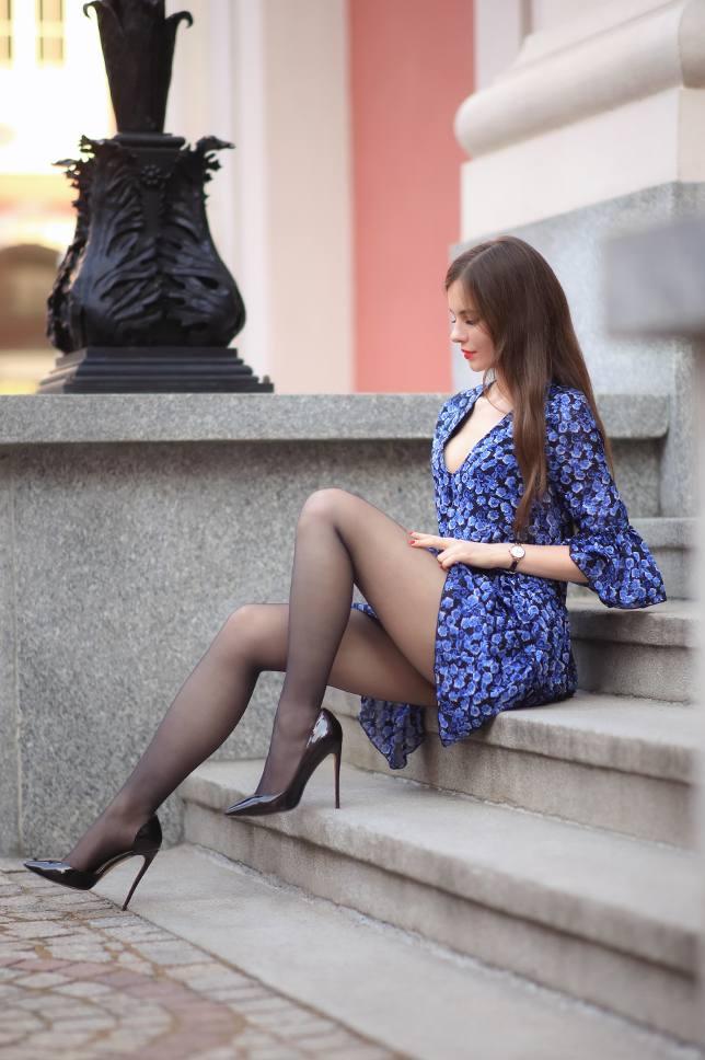 Ariadna Majewska Sexy Legs In Black Stockings