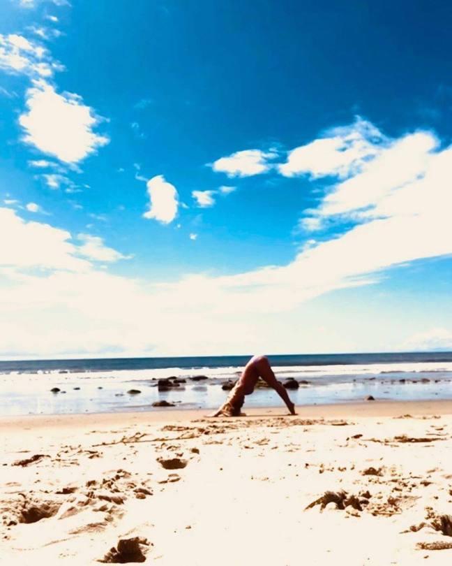 Britney Spears Sexy On Beach