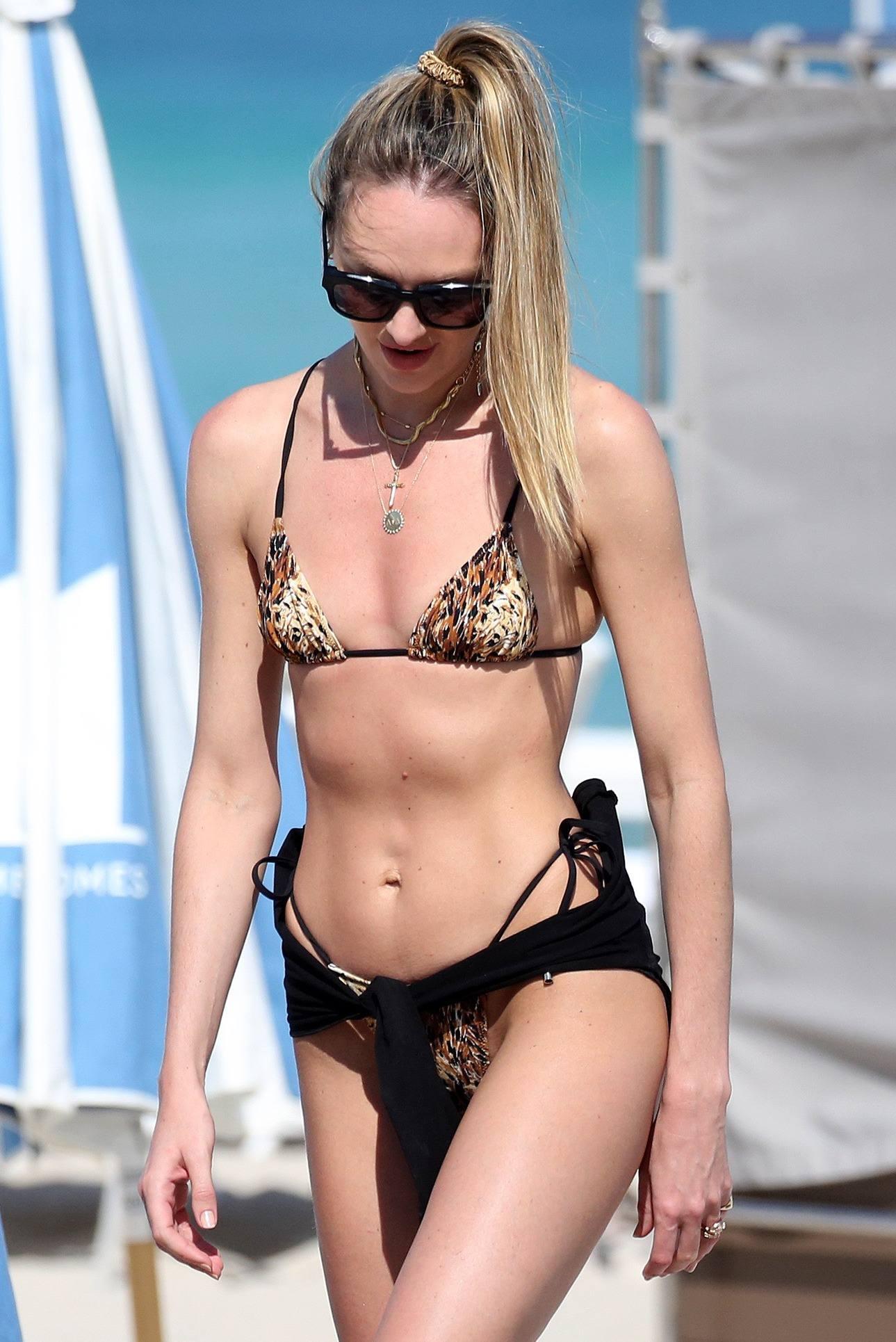 Candice Swanepoel Sexy In Tiny Bikini