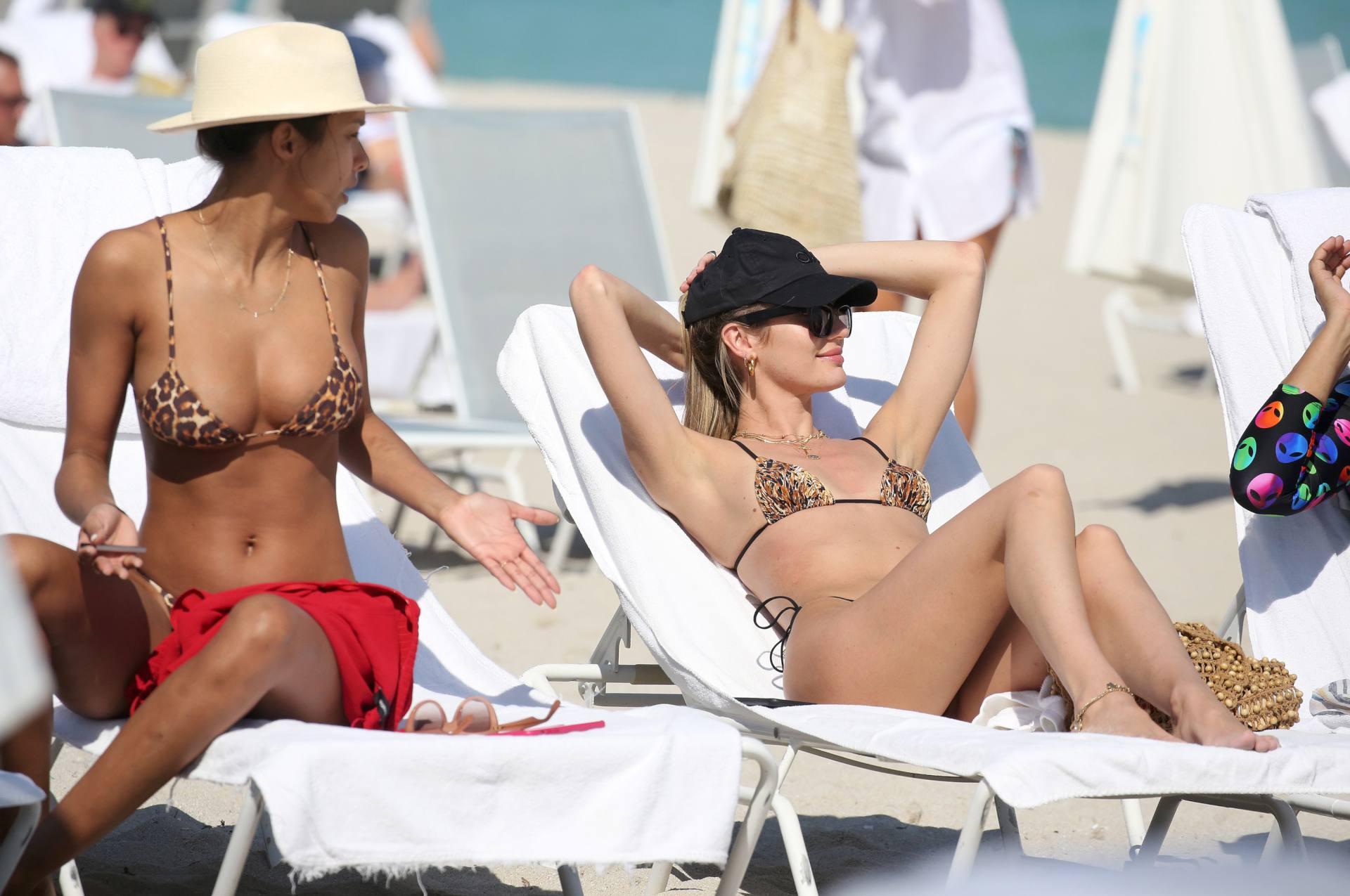 Candice Swanepoel And Lais Ribeiro On Beach