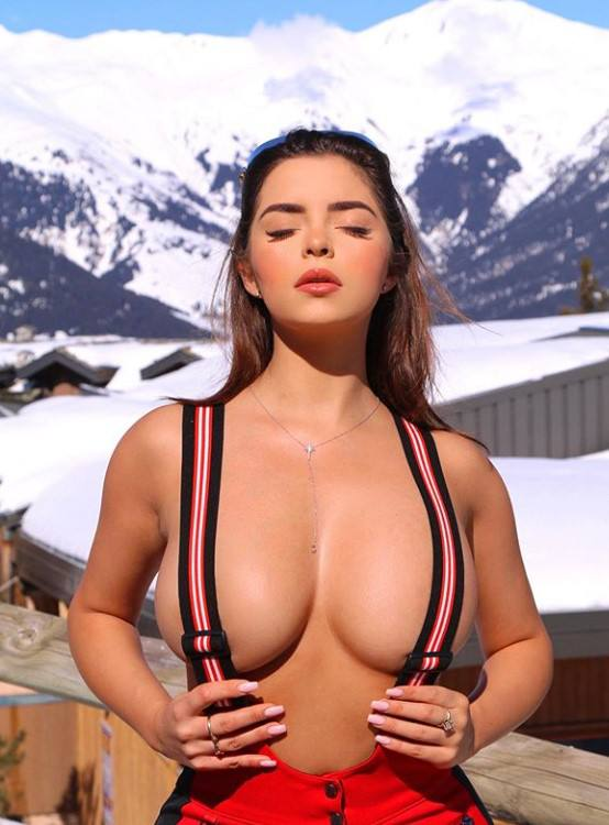 Demi Rose Mawby Topless Huge Breasts