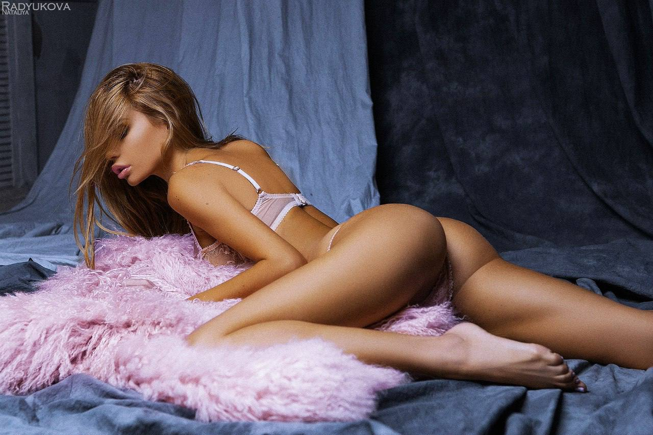 Ekaterina Zueva Sexy Lingerie