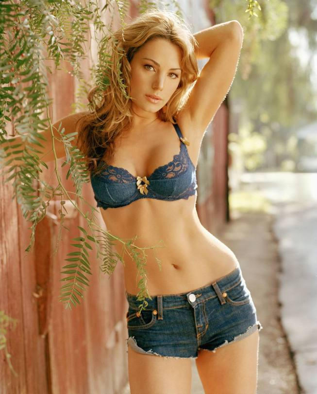 Erica Durance's Fantastic Body And Sexy Boobs In Fhm Magazine Photoshoot