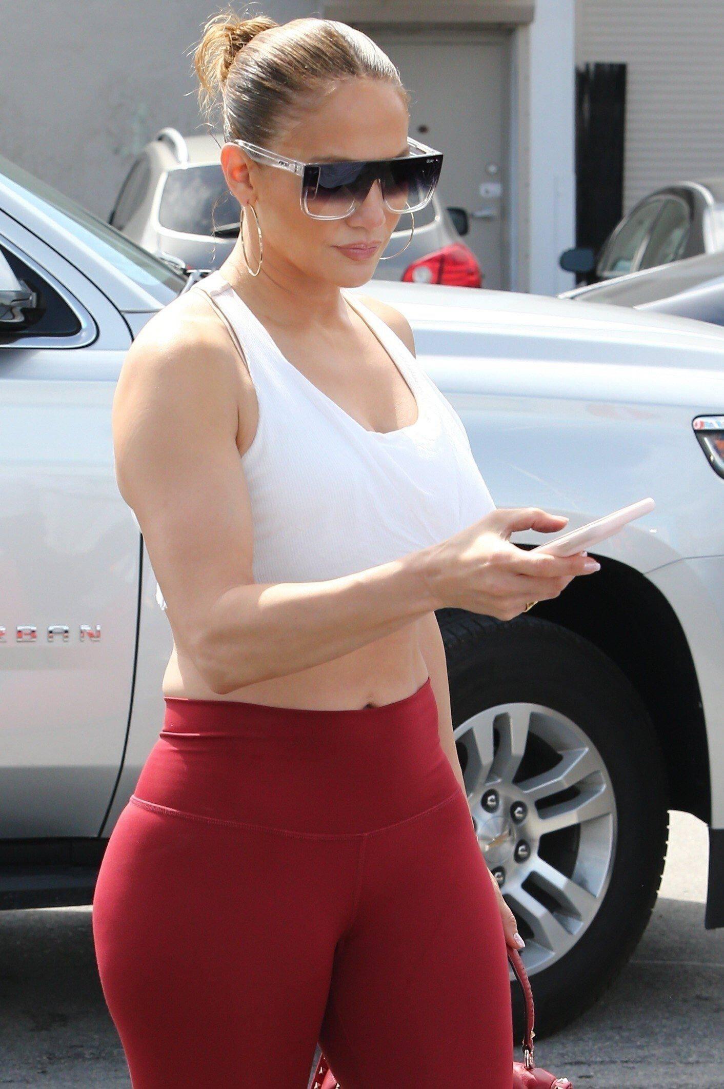Jennifer Lopez Hot Body In Leggings