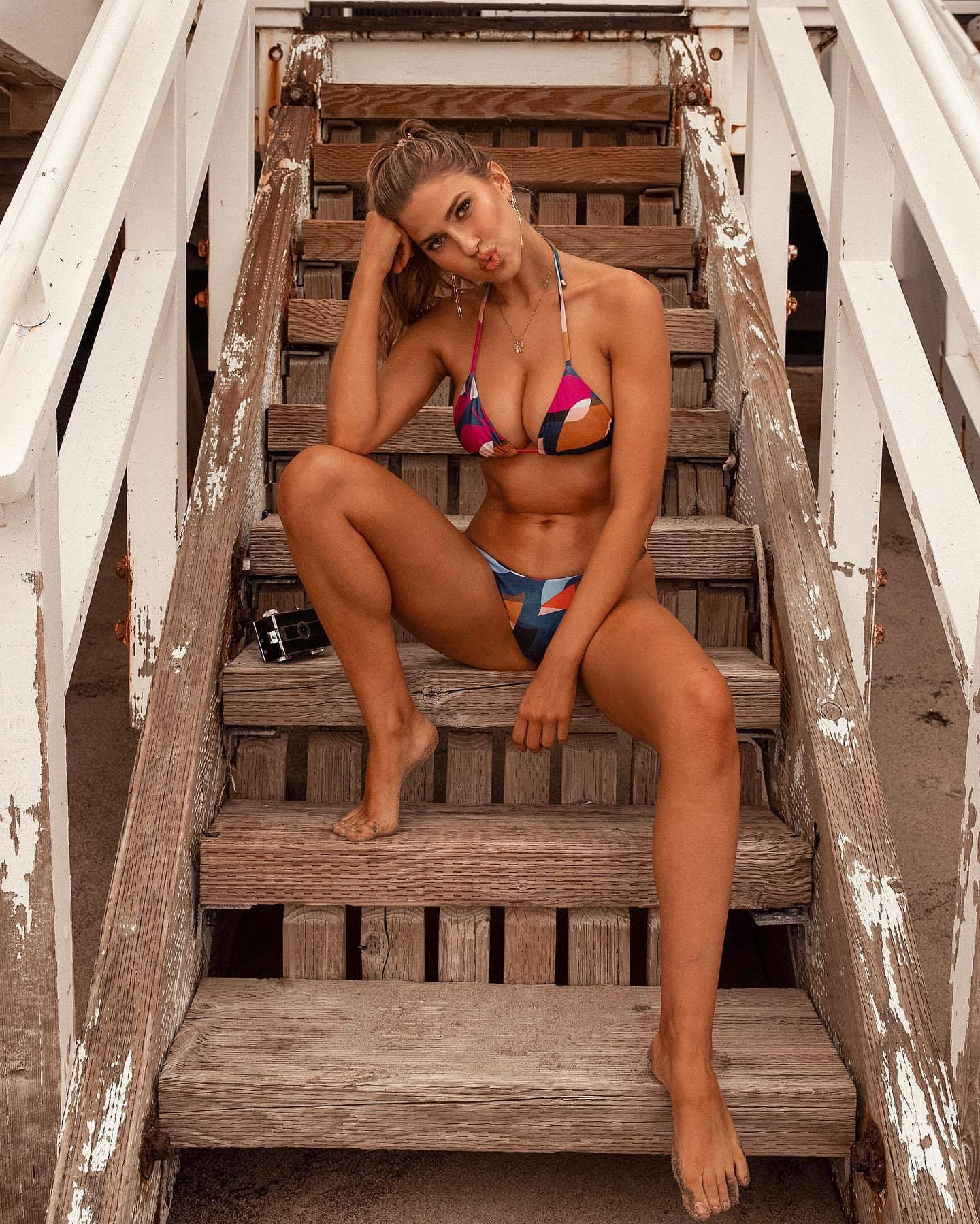 Kara Del Toro Perfect Boobs In Bikini