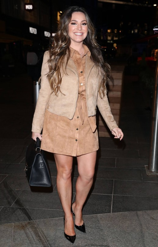 Kelly Brook Beautiful And Leggy