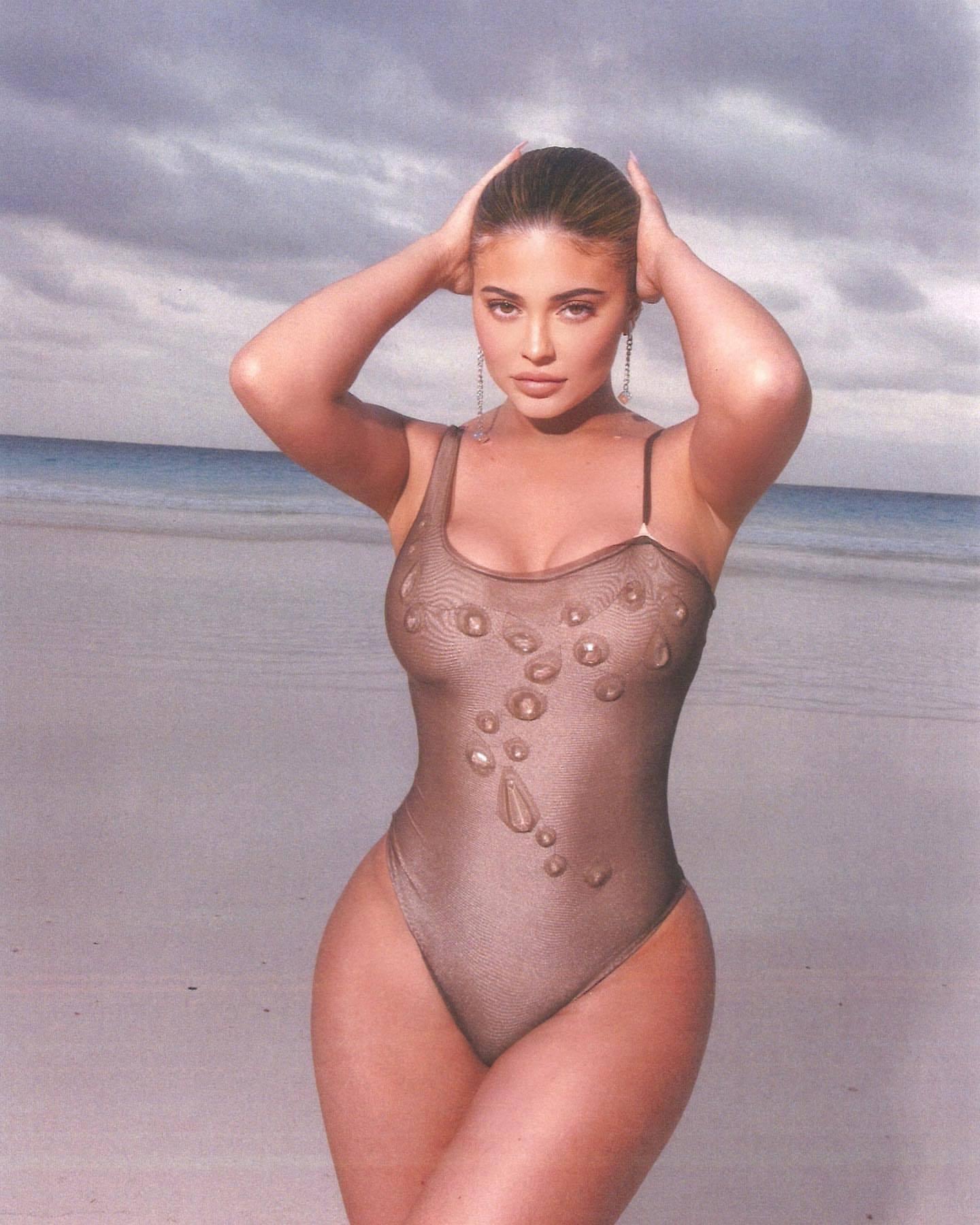 Kylie Jenenr Hot Big Boobs