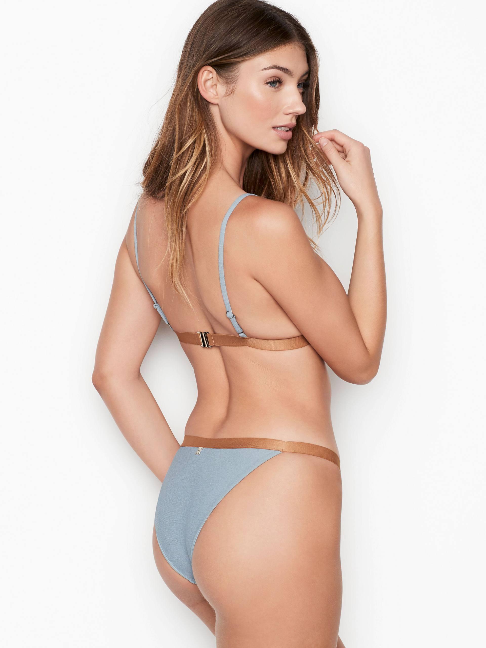Lorena Rae Sexy Bikini Photoshoot
