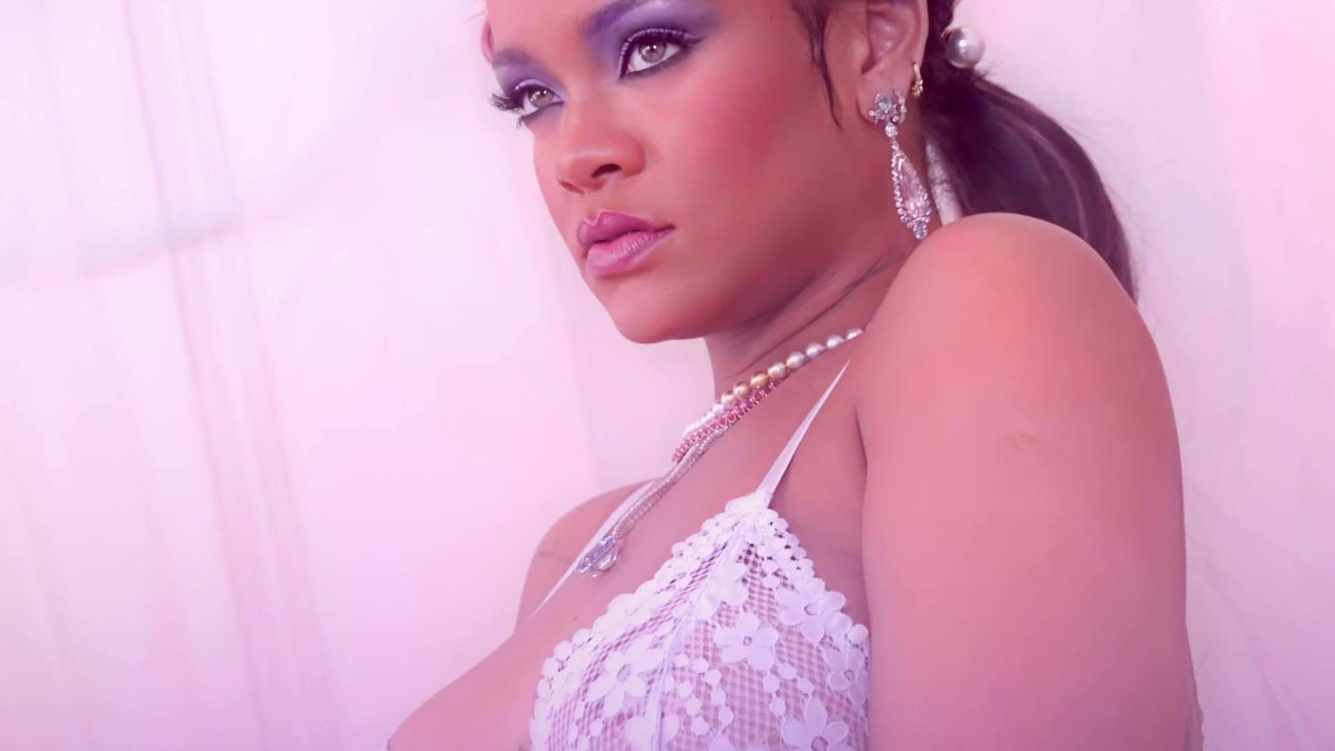 Rihanna Perfect Boobs In Sexy Lingerie