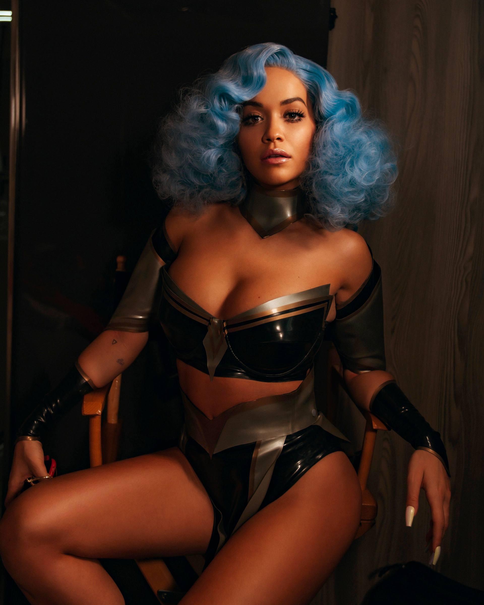Rita Ora Sexy Boobs And Blue Hair