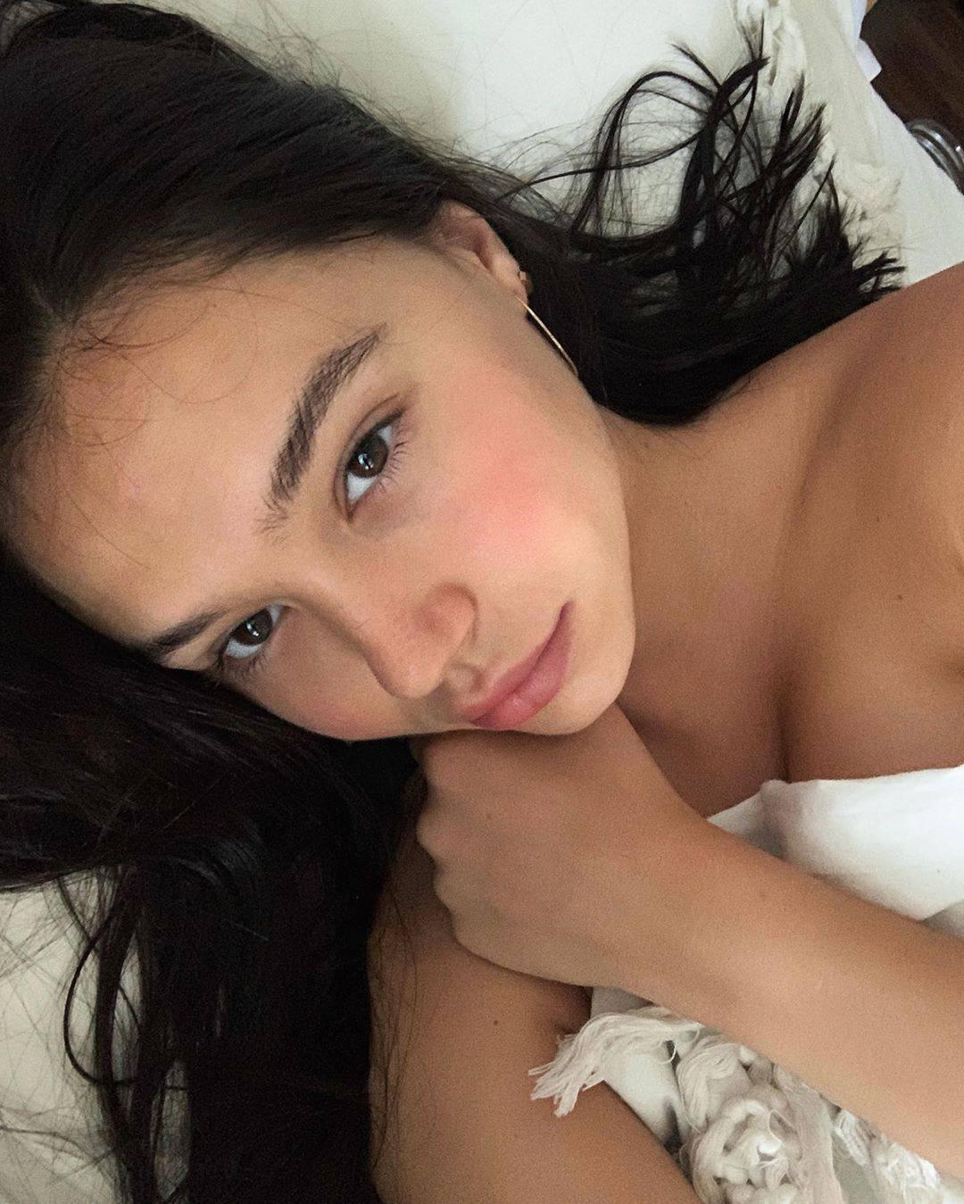 Alexis Ren Hot Selfie In Bed