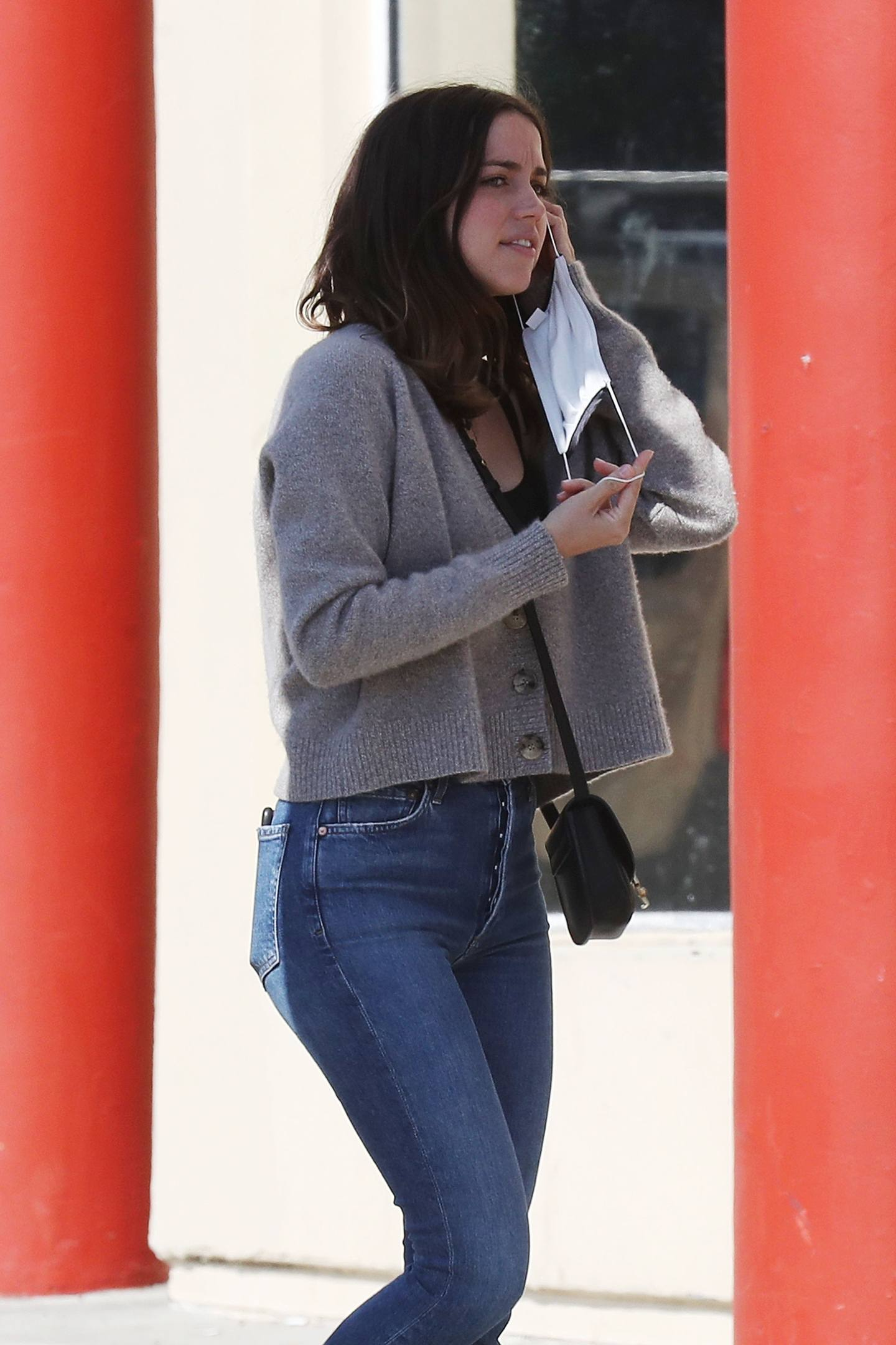 Ana de Armas - Sexy Ass in Tight Jeans Out in Santa Monica