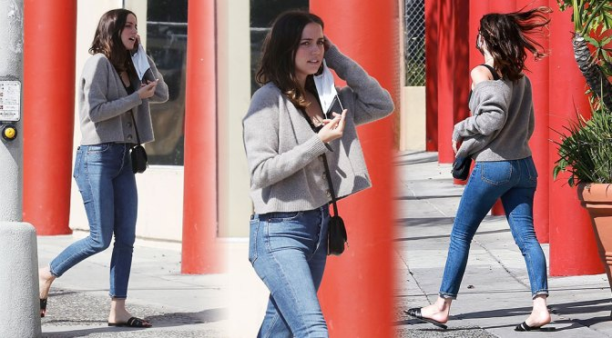 Ana de Armas – Sexy Ass in Tight Jeans Out in Santa Monica