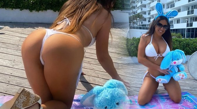 Claudia Romani – Sexy Ass in Tiny Thong Bikini in Provocative Photoshoot in Miami