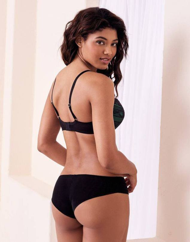 Danielle Herrington Sexy Boobs And Ass