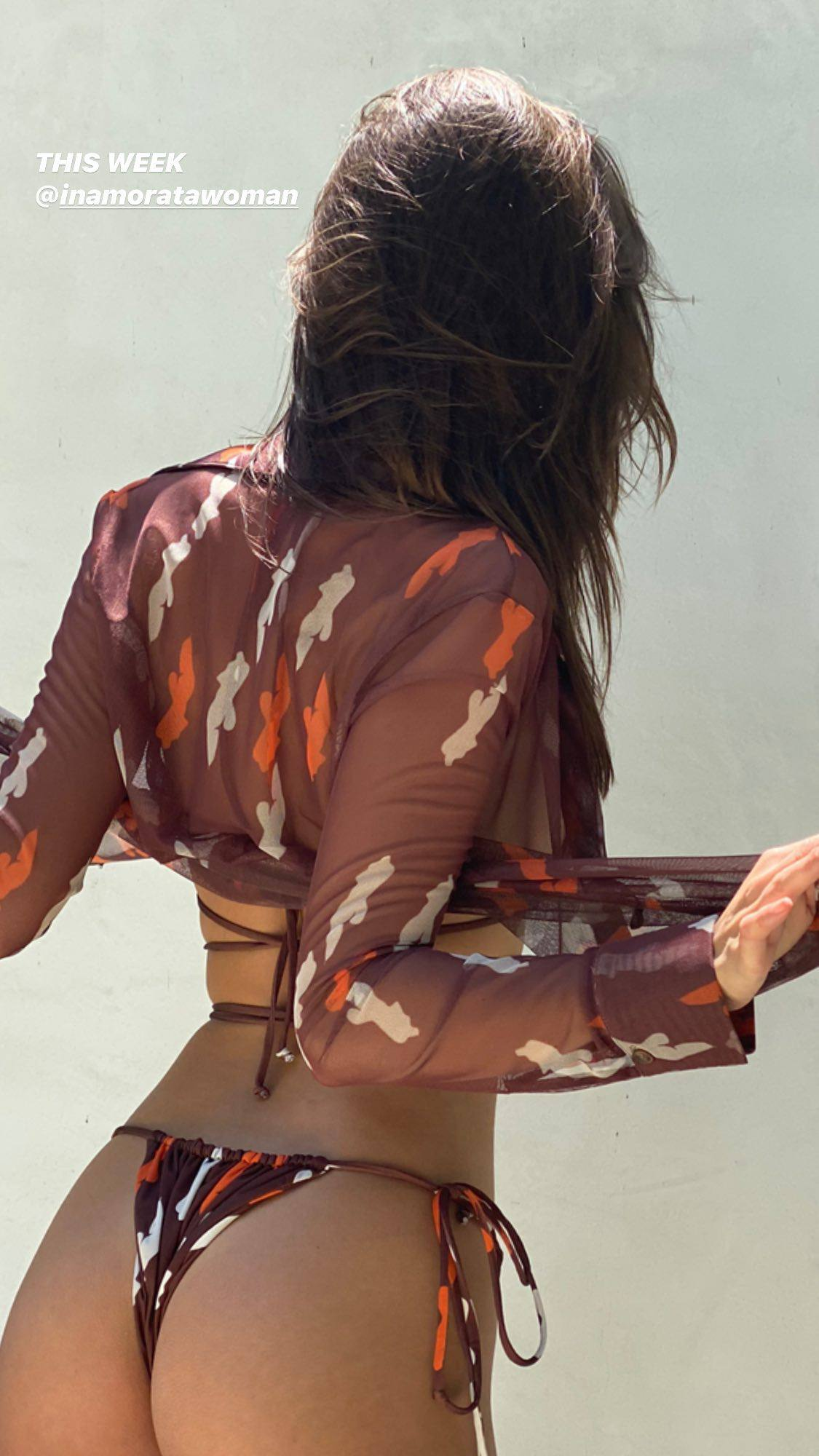 Emily Ratajkowski Sexy Body