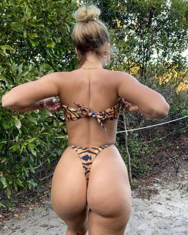 Jenni Niemaann Spectacular Curvy Body