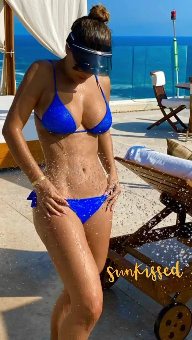 Ninel Conde Hot Body In Sexy Bikini