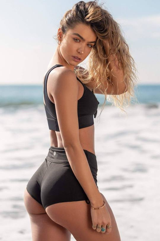 Sommer Ray Beautiful Ass