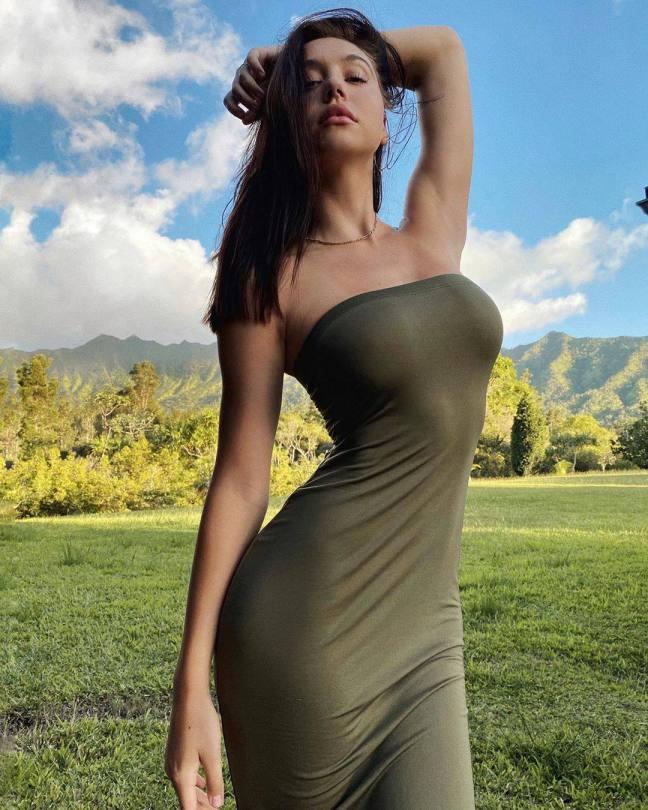 Alexis Ren Hot Body In Clingy Dress