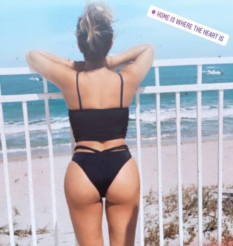 Cassie Scerbo Sexy Ass In Black Bikini