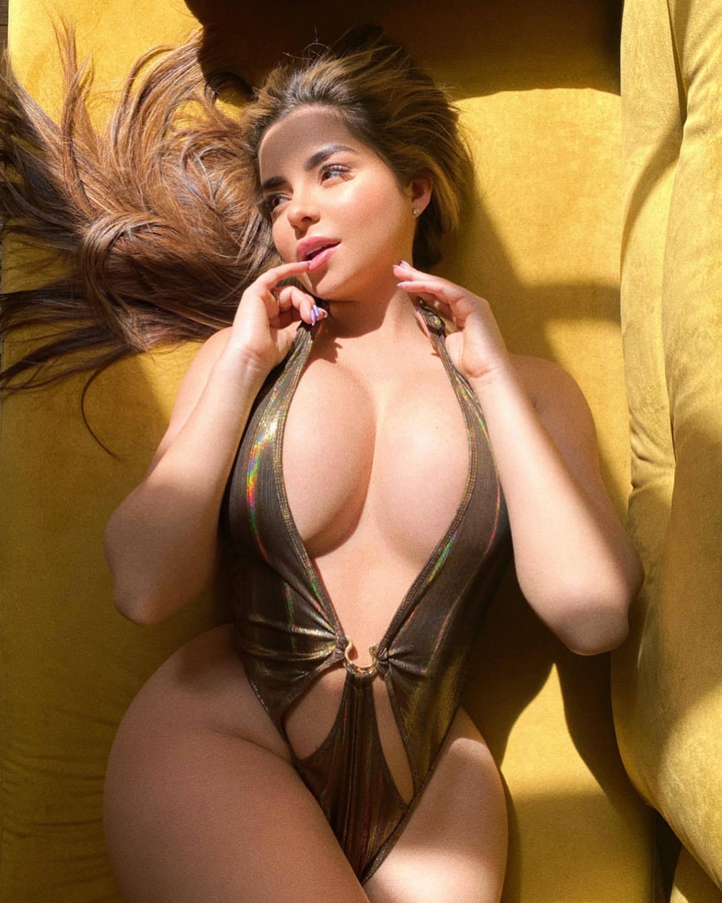 Demi Rose Mawby Fantastic Curvy Body