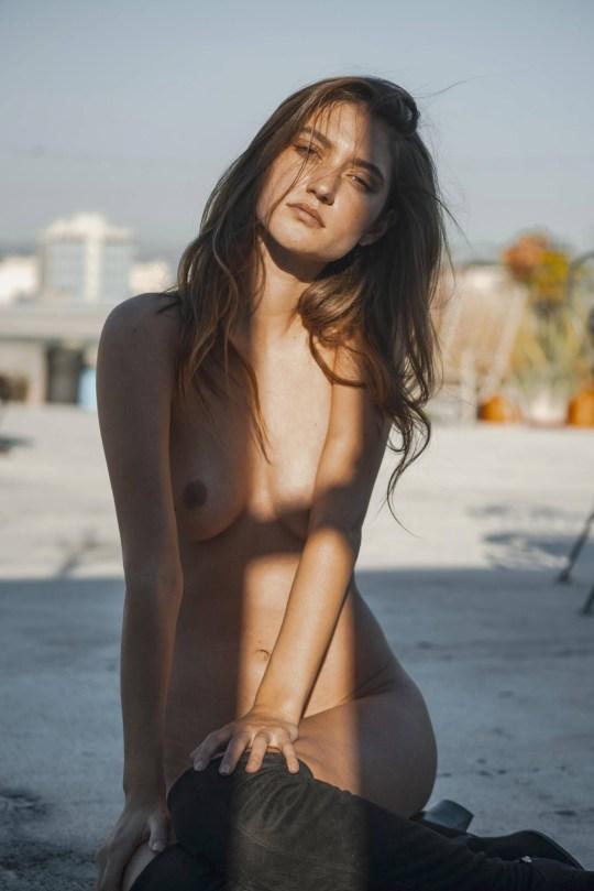 Elizabeth Elam Beautiful Nude Body