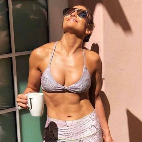 Jennifer Lopez Sexy Toned Body In Bikini Top