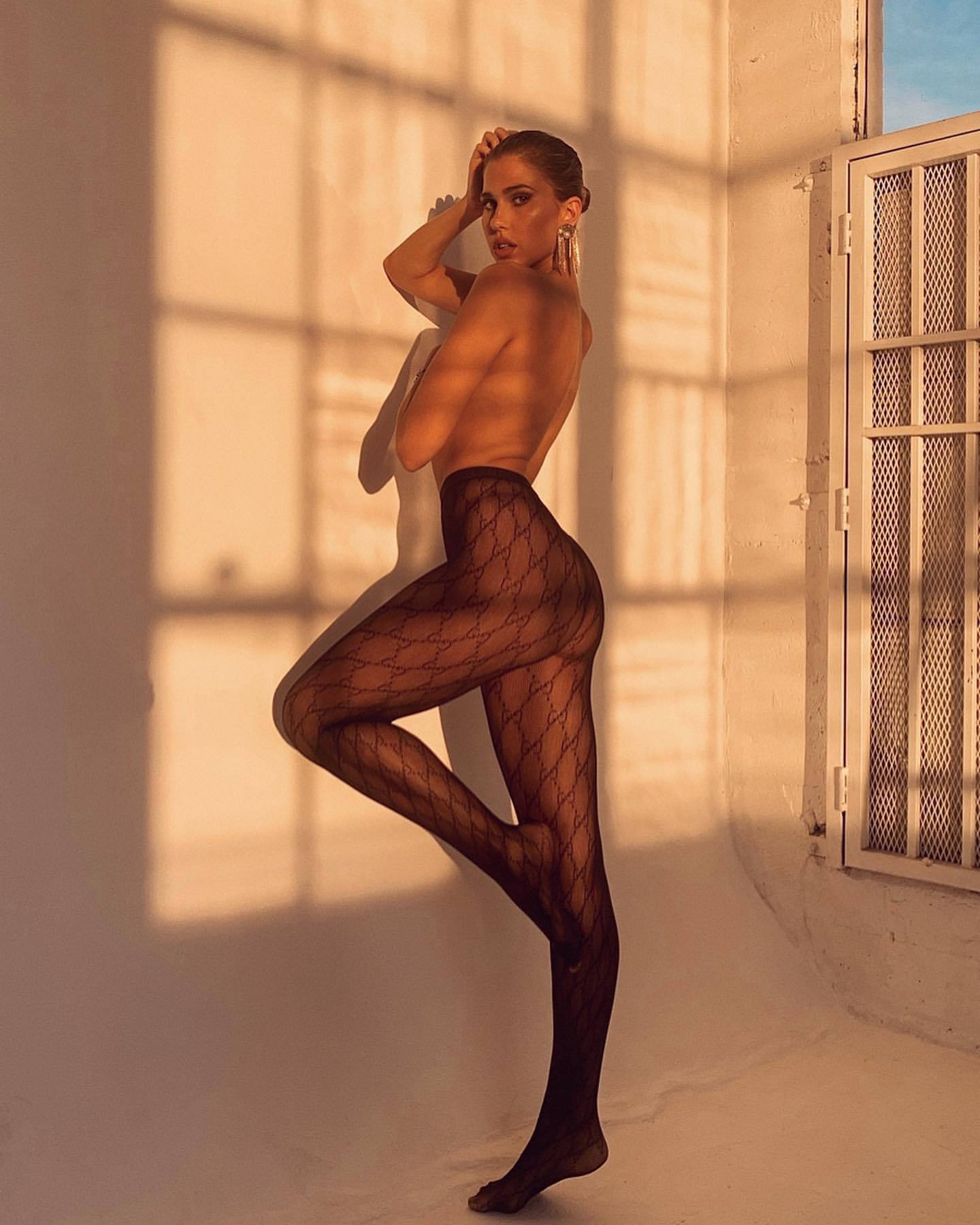 Kara Del Toro Naked In Pantyhose