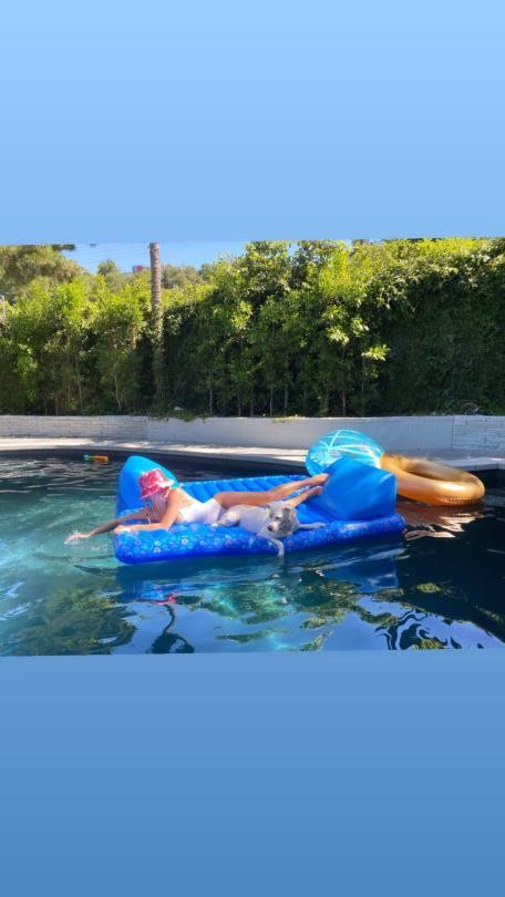 Sydney Sweeny Hot Boobs In Swimsuit