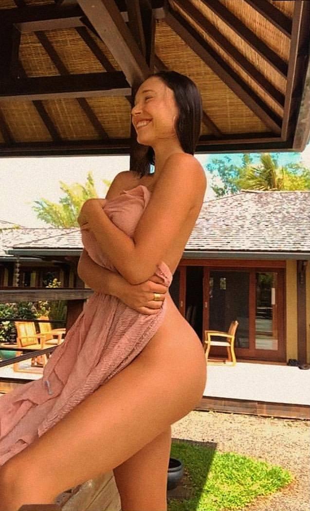 Alexis Ren Naked Perfect Body